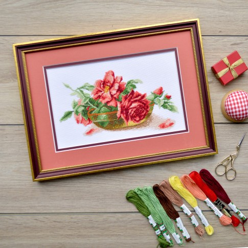 "Cross stitch kit ""Roses in a Vase"""